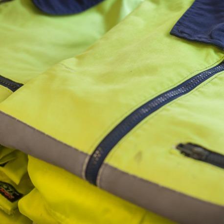 Collectivités et entreprises du Morbihan : entretien et location des vêtements de travail et EPI