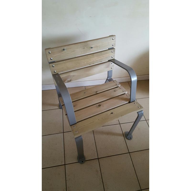 Mobilier en bois et m tal for Mobilier de jardin bois et metal